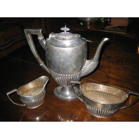 Мельхиоровый набор посуды