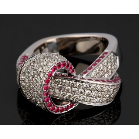 Шикарное золотое кольцо с бриллиантами и рубинами. Артикул: 210416/8