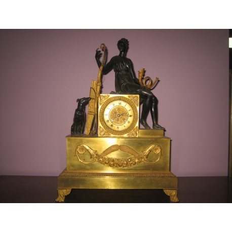 "Часы ""Диана"" из бронзы"