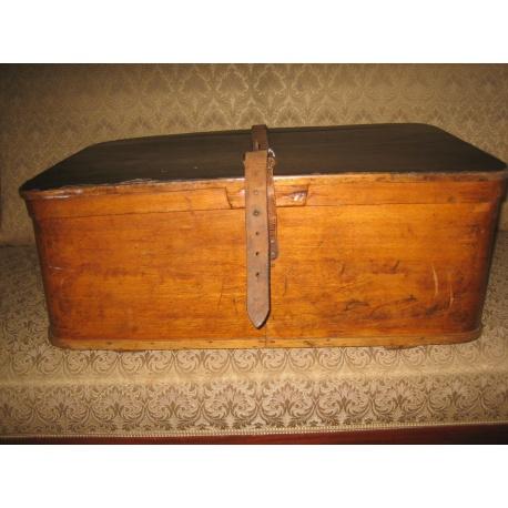 Старинная шляпная коробка