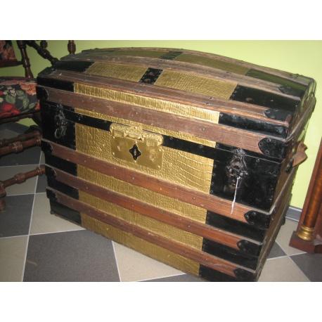 Сундук старинный из дуба
