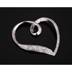 Романтичная подвеска с бриллиантами