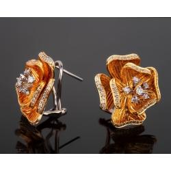 Изысканные золотые серьги с бриллиантами 0.62ct