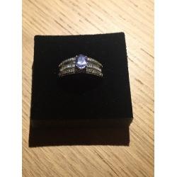 Кольцо с бриллиантом (Лот LV 2147)