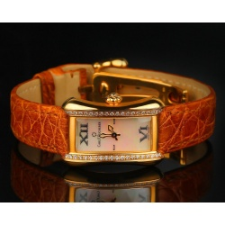 Оригинальные часы Carl F.Bucherer Alacria с бриллиантами