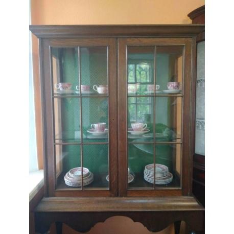 Винтажная витрина в неоклассическом стиле (Apт NBUF1)