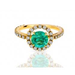 Новое кольцо с бриллиантами и изумрудом