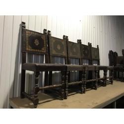 Комплект антикварных стульев с кожей