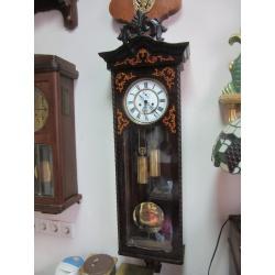 Настенные жильные часы - секундник