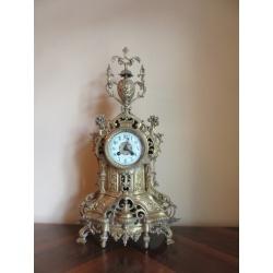 Каминные часы с получасовым боем