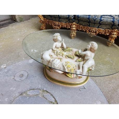 Винтажный журнальный столик с ангелочками