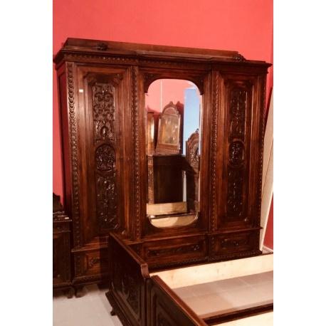 Шкаф для одежды в стиле Ренессанс