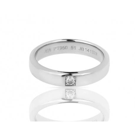 Платиновое кольцо с бриллиантом Van Cleef and Arpels