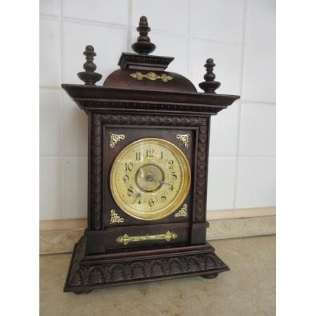 Часы старинные будильник