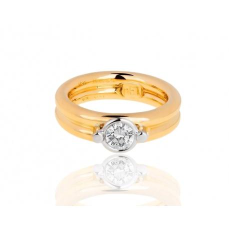 Массивное золотое кольцо с бриллиантом