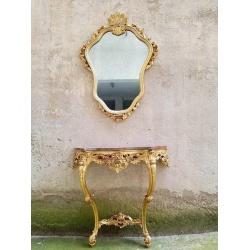 Консоль с зеркалом и мрамором