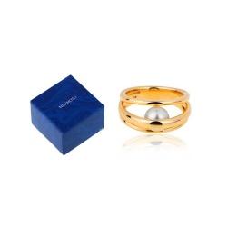 Прелестное золотое кольцо с жемчугом Mikimoto