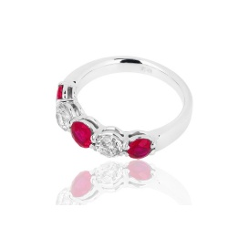Кольцо с рубинами и бриллиантами Carl Bucherer