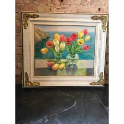Натюрморт с тюльпанами в раме