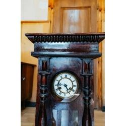 Настенные антикварные часы с боем