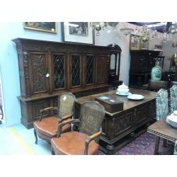 Антикварный кабинет в стиле Ренессанс