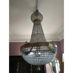 Большая хрустальная люстра на 8 ламп