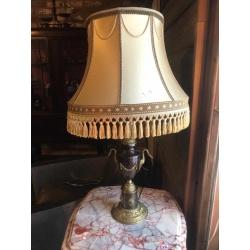 Настольная лампа с лебедями