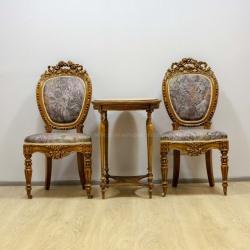 Пара стульев и столик в стиле Луи 15
