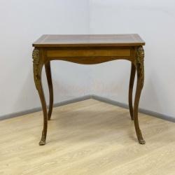 Старинный столик с бронзой и маркетри