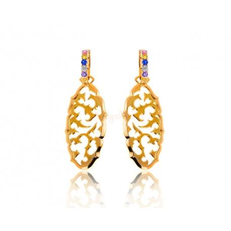Модные золотые серьги с бриллиантами
