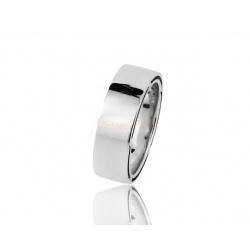 Солидное золотое кольцо с бриллиантами