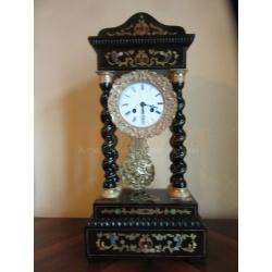 Часы каминные портиковые