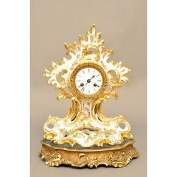 Часы в фарфором корпусе ( Лот MH 1862 )