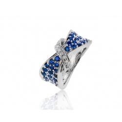 Яркое кольцо с бриллиантами и сапфирами
