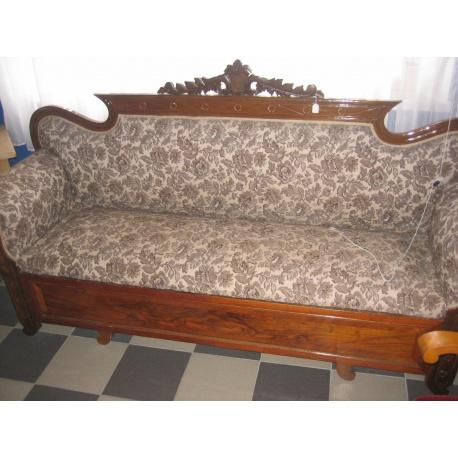 Антикварный диван из красного дерева