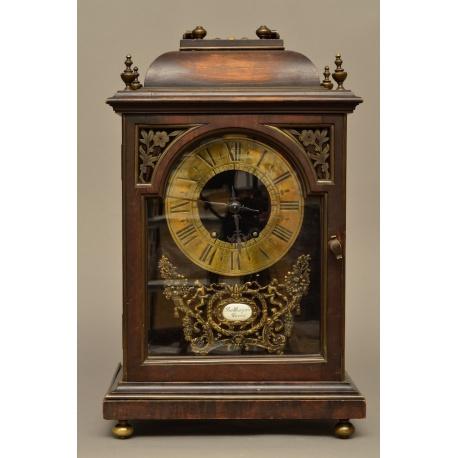Часы ( Лот MH 2210 )