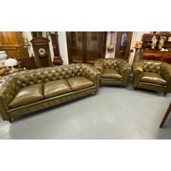 Комплект мягкой мебели для гостиной в стиле Честерфилд