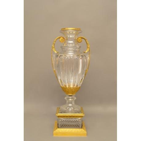 Большая хрустальная ваза ( Лот MH 2261 )