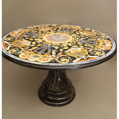 Мраморный винтажный стол с мозайкой