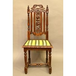 Комплект стульев ( Лот DM 2726 )