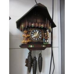 Часы с кукушкой и мелодией