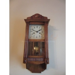 Часы стенные от HAU