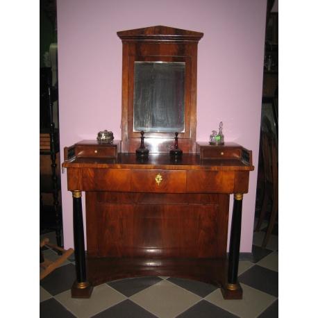 Антикварный дамский столик. Ампир