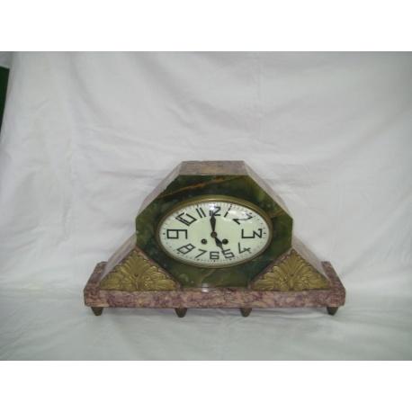 Часы каминные из оникса и мрамора