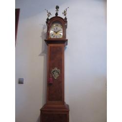 Часы напольные ( Лот AL 0923)