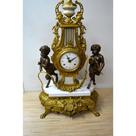 Часы ( ЛОТ HV 6485 )