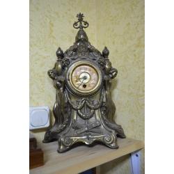 Часы ( ЛОТ HV 6532)