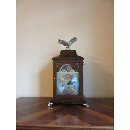 Настольные часы с мелодиями ( Лот AL 2415 )