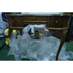 Дамский винтажный стол