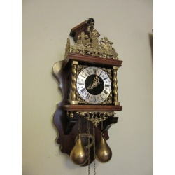 Часы из Гронингена Franz Hermle